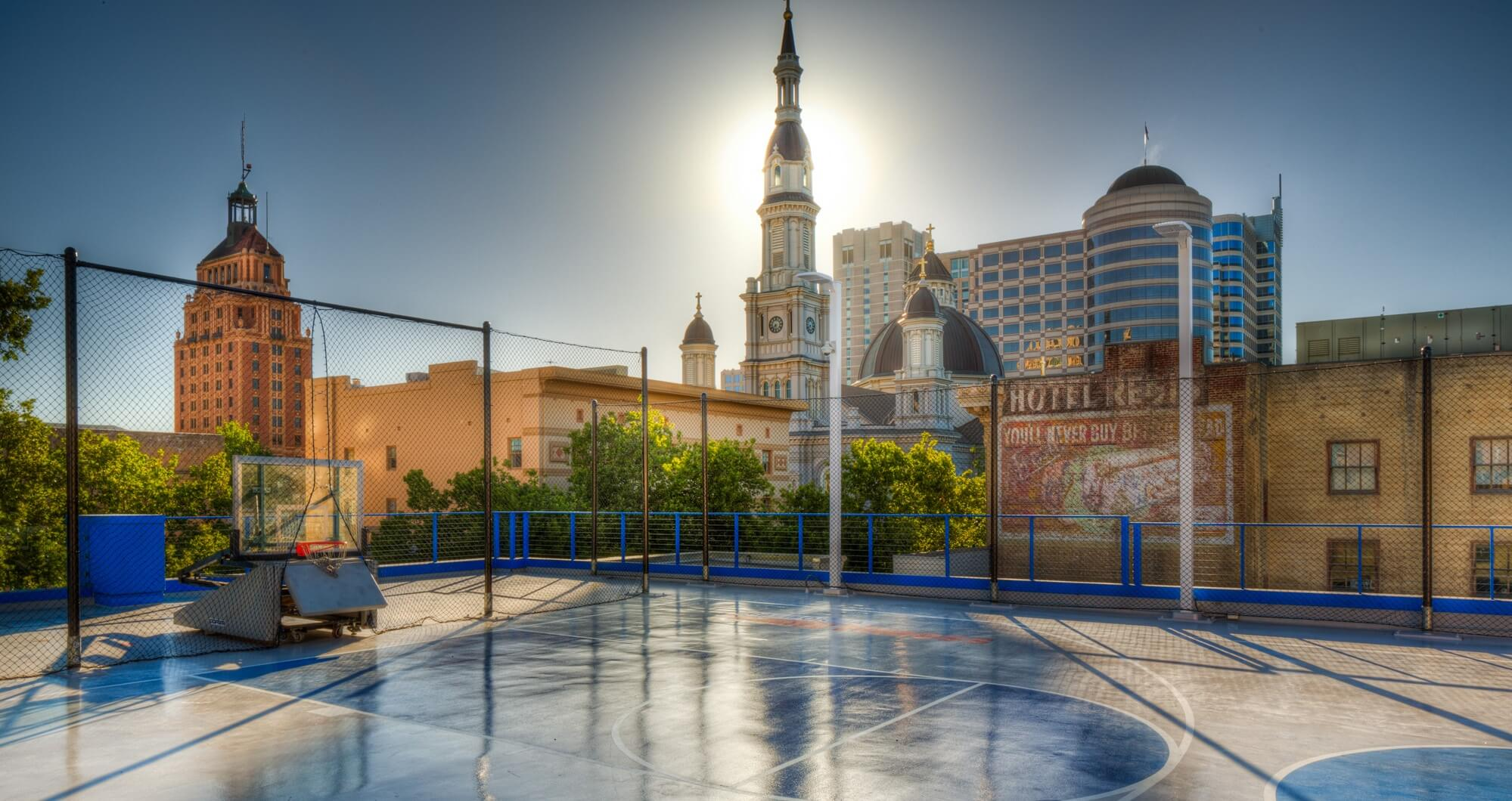 cal fit downtown sacramento gym rooftop basketball court