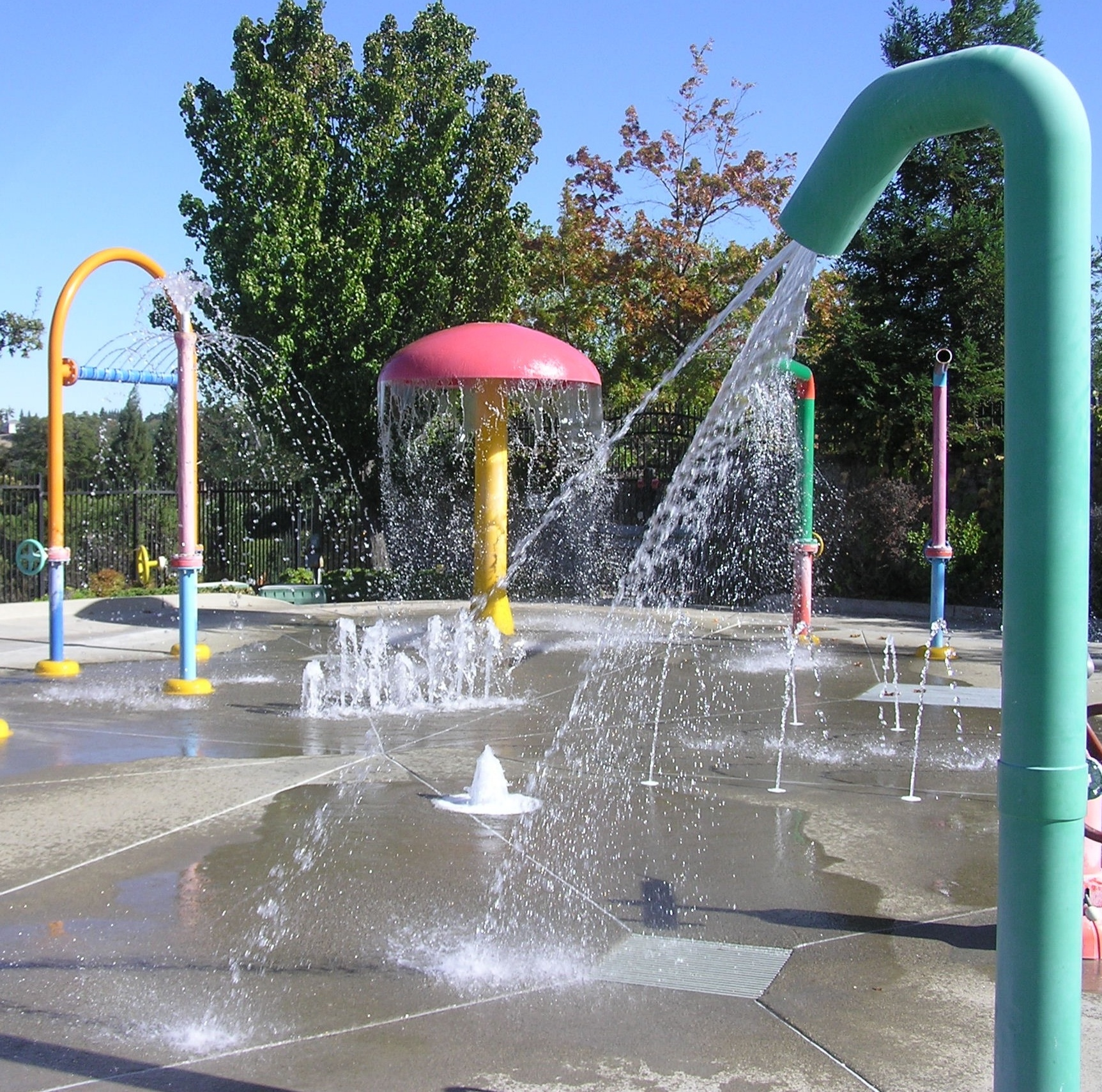 spray park at cal fit kids pool rocklin